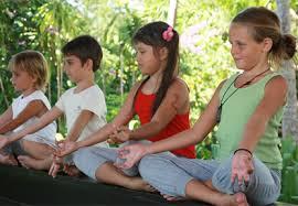 Criancas Meditando